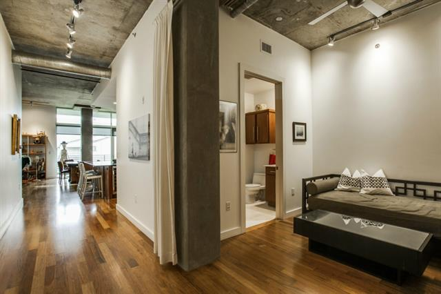 Luxury Urban Loft At 3030 Bryan
