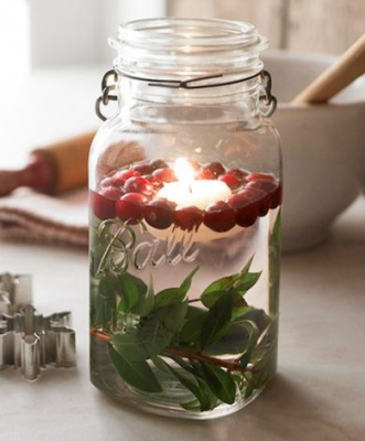11 holiday decor ideas for your condo for Artificial cranberries for decoration