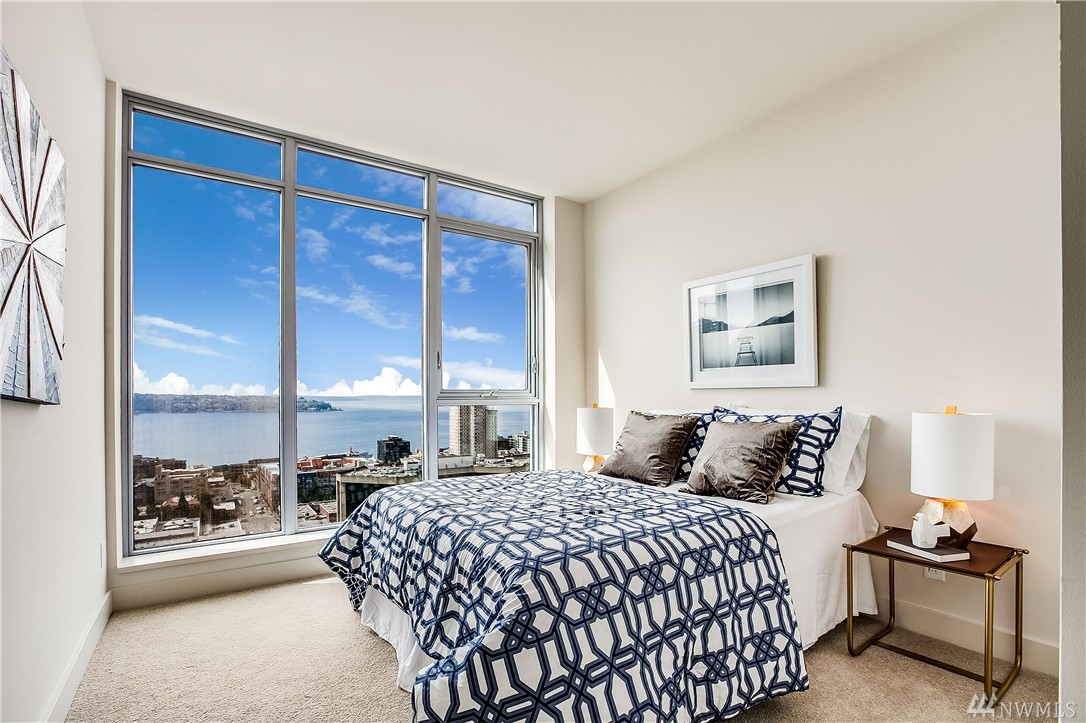 Stunning insignia 2 bedroom den with iconic seattle views for 2 bedroom with den
