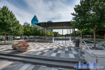 Klyde Warren Park water feature
